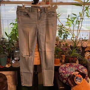 American Eagle 🦅 Jeans. NWOT. Size 10.